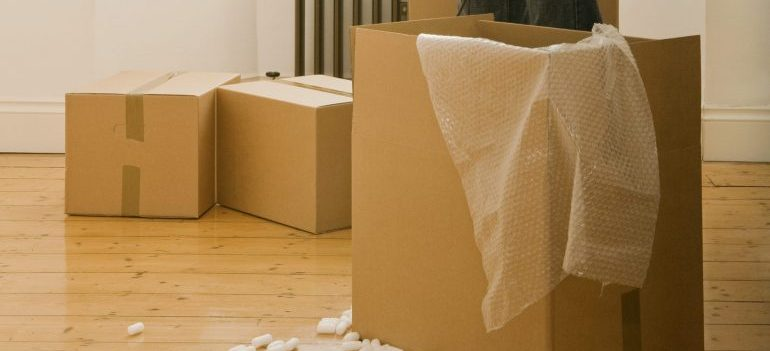 Top-quality packing supplies and secure short-term storage Bahrain solutions