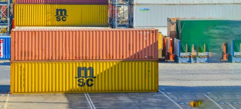 container use in docks