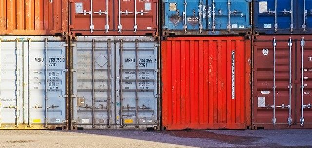 Stacked containers for shipping heavy items