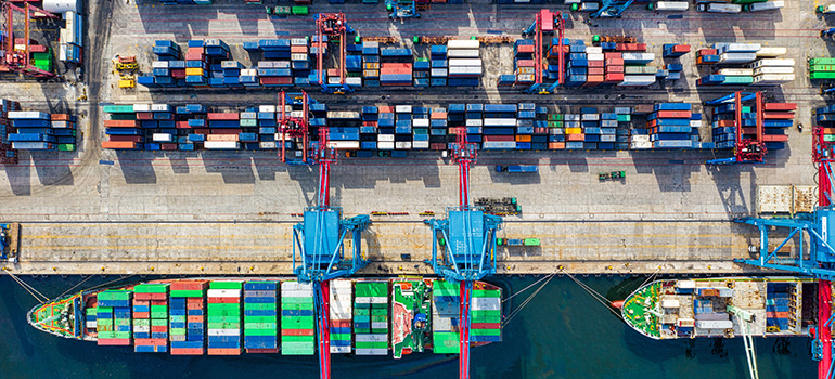 port management is easier when using modern shipping industry tech