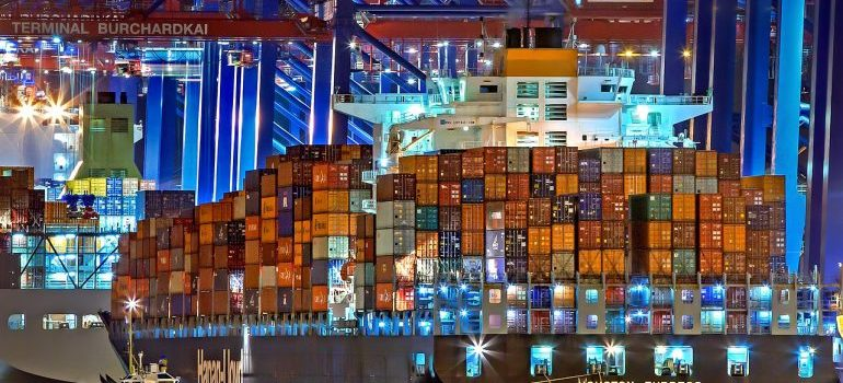 ship with shipping containers where you should insuring your shipping container